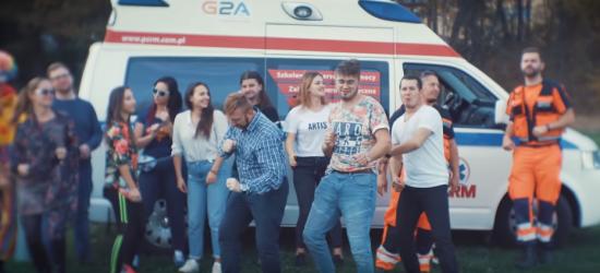 """Serce piko"" hitem Internetu. Ratownicy zachęcają do pomagania w rytm Despacito (VIDEO)"