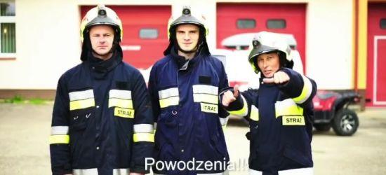 Strażacy OSP Niebieszczany i charytatywne pompki (VIDEO)