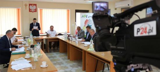 POWIAT LESKI: Sprawy budżetowe i skarga na starostę