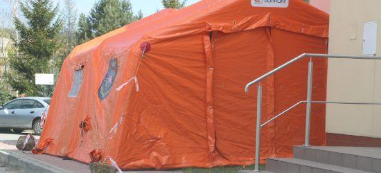 """Trzy namioty pod sanockim szpitalem. """"Nie róbmy paniki"""" (ZDJĘCIA)"""