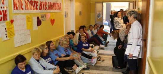 PROTEST PIELĘGNIAREK: Jeżeli do piątku nic się nie zmieni, szpital może przestać funkcjonować (VIDEO, FOTO)