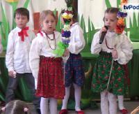 """Wielkanocne obrzędy zaprezentowane przez zdolnych przedszkolaków z sanockiej """"trójki"""" (ZOBACZ FILM)"""