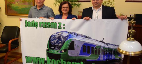 Akcja KochamKolej.pl z poparciem Wicemarszałek Marii Kurowskiej (FILM, ZDJĘCIA)