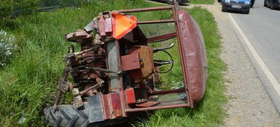 PODKARPACIE. Traktor zderzył się z ciężarówką. Ranny 72-latek (ZDJĘCIA)