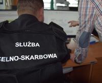 Chcieli wyłudzić z budżetu 260 mln zł. Kolejne zatrzymanie w grupie przestępczej rozbitej przez KAS