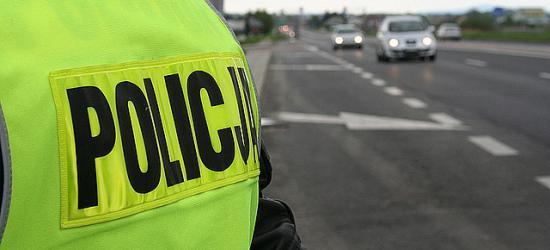 Policja prowadzi kontrole ciężarówek, autobusów i mikrobusów