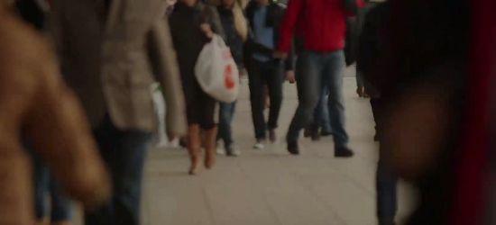 Człowiek, który przedawkował, przestaje oddychać i umiera (VIDEO)