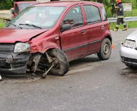 AKTUALIZACJA: Zderzenie dwóch samochodów za przejazdem kolejowym na Okulickiego (ZDJĘCIA)