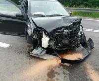 Czołówka w Jasienicy Rosielnej. Straciła panowanie nad pojazdem i uderzyła w golfa. Droga była całkowicie zablokowana (ZDJĘCIA)