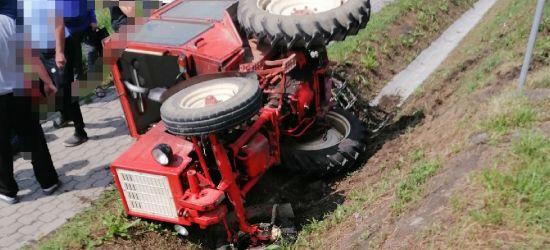 Kierowca zasłabł. Traktor w rowie (ZDJĘCIE)