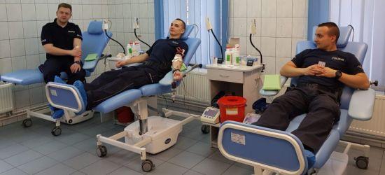 SANOK: Dzielnicowi oddali krew dla Oliwki (FOTO)