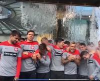 Śmigus-dyngus na sportowo! Zawodnicy piłkarskiej reprezentacji w akcji (zobacz VIDEO)