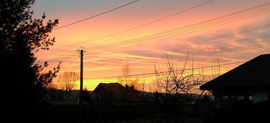 Czerwony zachód słońca. Zobaczcie ZDJĘCIA